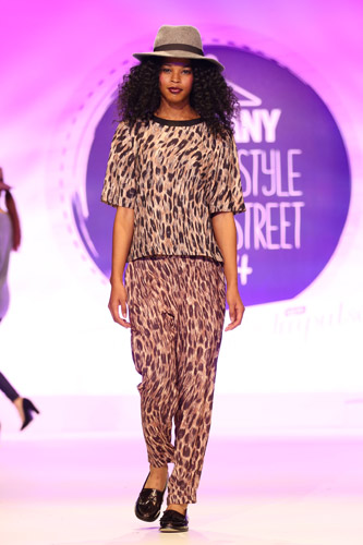 warehouse_fashion_show_bloggers_style_high_street_16